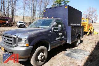 (#1) 2004 Ford F350 XL Super Duty Utility Truck