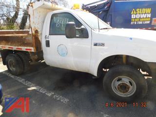 (#644) 2003 Ford F350 XL Super Duty Dump Truck