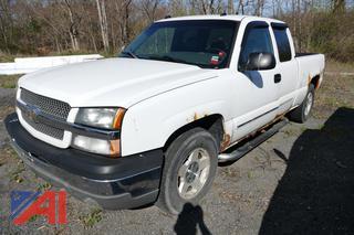 (#9) 2004 Chevy Silverado 1500 Extended Cab Pickup Truck