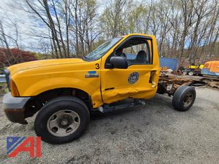 2005 Ford F350 XL Super Duty Cab & Chassis Truck