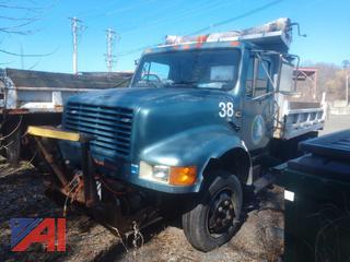 (#38) 1990 International 4600 Dump Truck