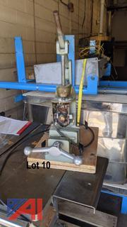 Manual Injection Molder