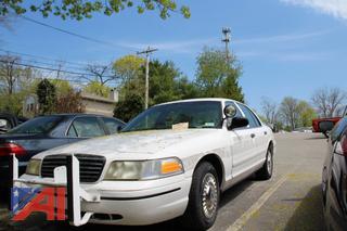 2000 Ford Crown Victoria Sedan/Police Interceptor