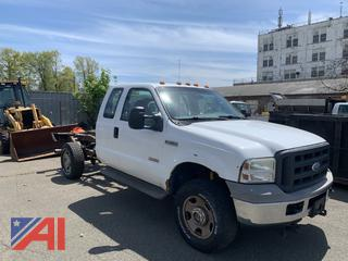 2005 Ford F350 Super Duty Extended Cab and Chassis