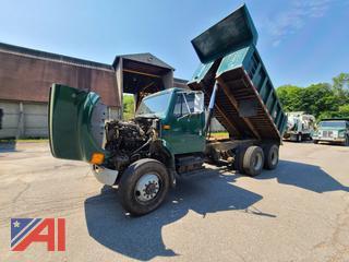 (#15) 1991 International 4900 Dump Truck