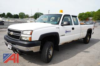 2007 Chevy Silverado Classis 2500HD Extended Cab Pickup truck/T-131
