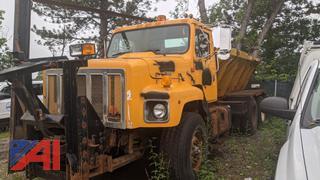 2000 International 2674 Sander Truck