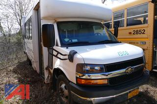 (#1302) 2013 Chevy/Supreme Express G4500 Mini Bus with Wheelchair Lift