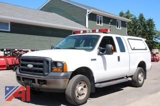 2007 Ford F250 Super Duty Extended Cab Pickup Truck with Cap