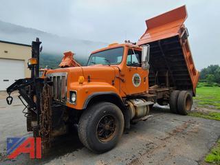(#1) 2000 International 2574 Dump Truck