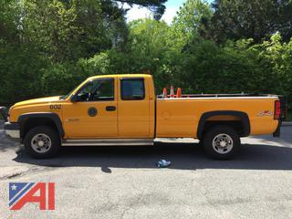 2005 Chevy 2500HD Extended Cab Pickup Truck with Plow
