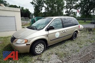 2005 Chrysler Town & Country LX Passenger Mini Van/6