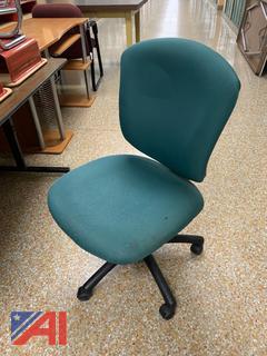 Green Padded Swivel Office Chair