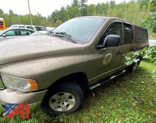 (F023) 2005 Dodge Ram 1500 Crew Cab Pickup Truck with Cap