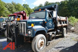 (01-63) 2001 International 2574 Dump Truck