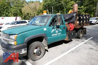 (#4) 2003 Chevy Silverado 3500 Stake Truck