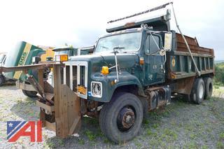 (#560) 2002 International 2574 Dump Truck