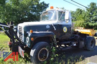 (#27) 1983 Ford L8000 Cab and Chassis