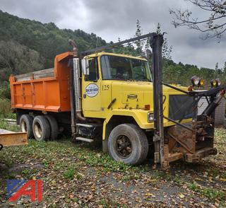 1995 White ACL Dump Truck with Plows & Sander