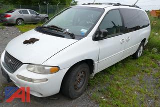 1999 Chrysler Town & Country LX Mini Van