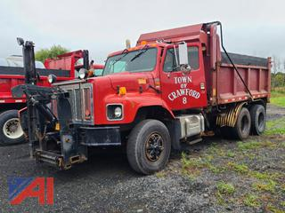 (#1) 2001 International 2674 Dump Truck with Plow, Wing and Side Sander