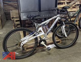 Genesis V2900 Bicycle