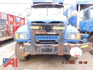 (#362) 2005 Mack CV713 Granite Garbage Truck